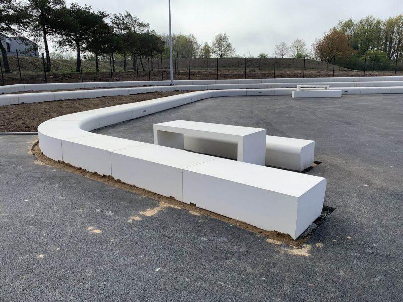 banc-beton-blanc-college-vertou-socramat-fabrication_(7)