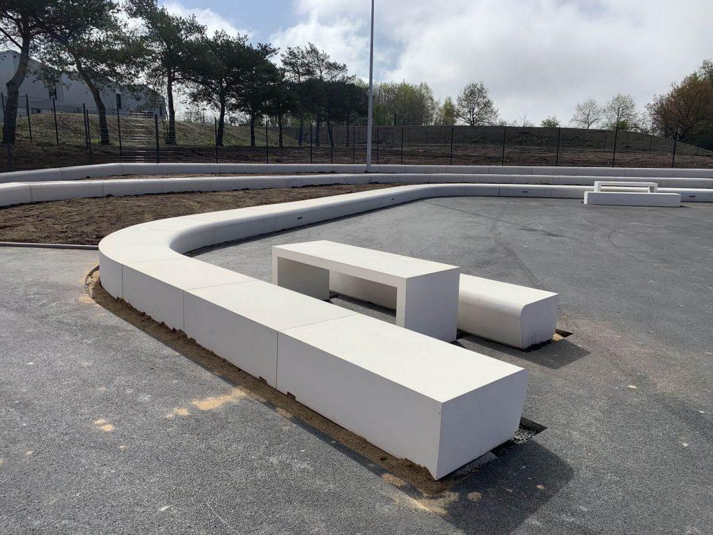banc-beton-blanc-college-vertou-socramat-fabrication_(8)