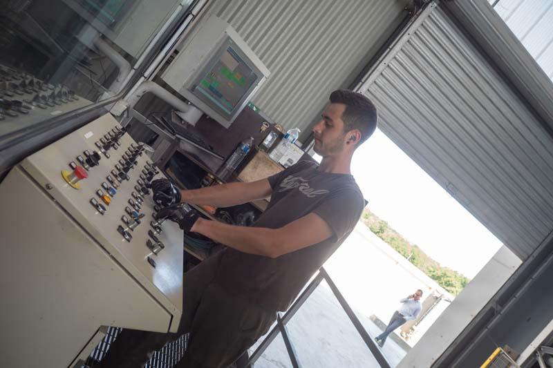 opérateur-usine-regard-socramat-fabrication