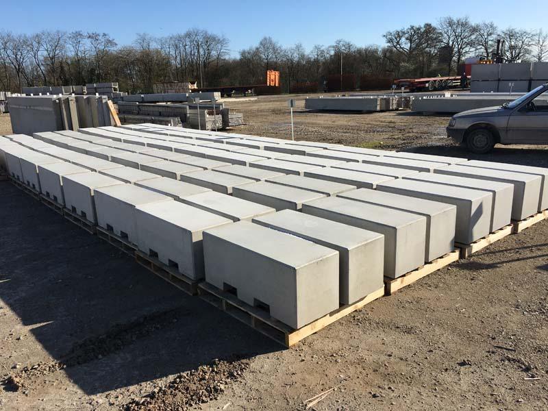 borne-anti-intrusion-beton-socramat-fabrication
