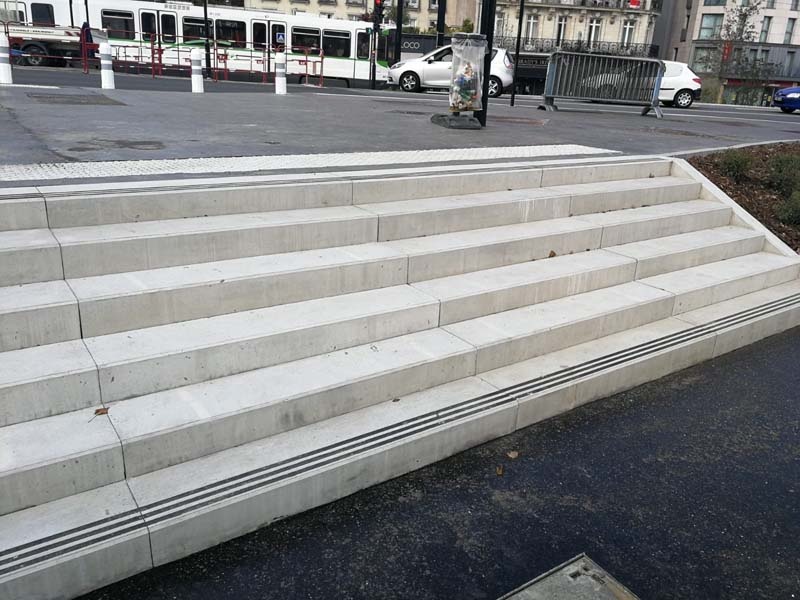 banc-beton-gare-nantes-socramat-fabrication
