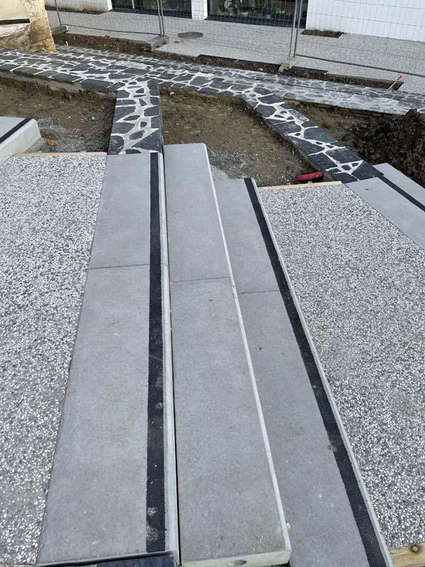 detail-bloc-marche-beton-gris-socramat